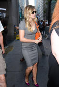 Kristen Bell Arriving At The Today Show 8/22/12