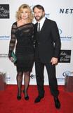 th_72753_celebrity-paradise.com-The_Elder-Faith_Hill_2010-01-27_-_EIF7s_Women3s_Cancer_Research_Fund_7262_122_162lo.jpg