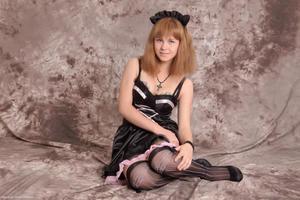 http://img202.imagevenue.com/loc19/th_232731663_Silver_Sandrinya_maid_3_068_122_19lo.jpg