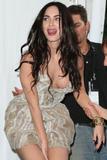 In addition to post #157, Megan Fox shows off cleavage: Foto 1534 (В дополнение к посту # 157, Меган Фокс показывает Off Дробление Фото 1534)