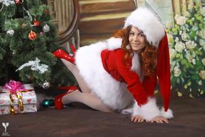 http://img202.imagevenue.com/loc521/th_531530360_silver_angels_Sandrinya_I_Christmas_1_086_123_521lo.jpg