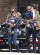 http://img202.imagevenue.com/loc532/th_843409244_Hilary_Duff_Heading_to_play_date_with_Luca6_122_532lo.jpg